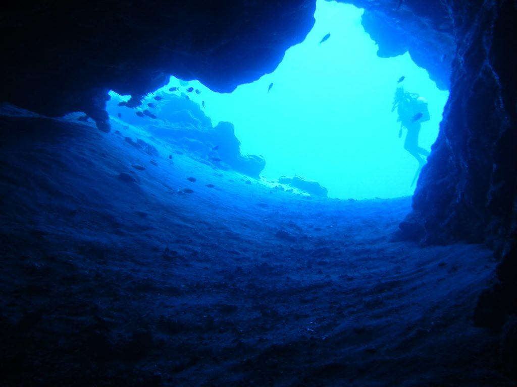 Tips And Techniques For Cave Diving