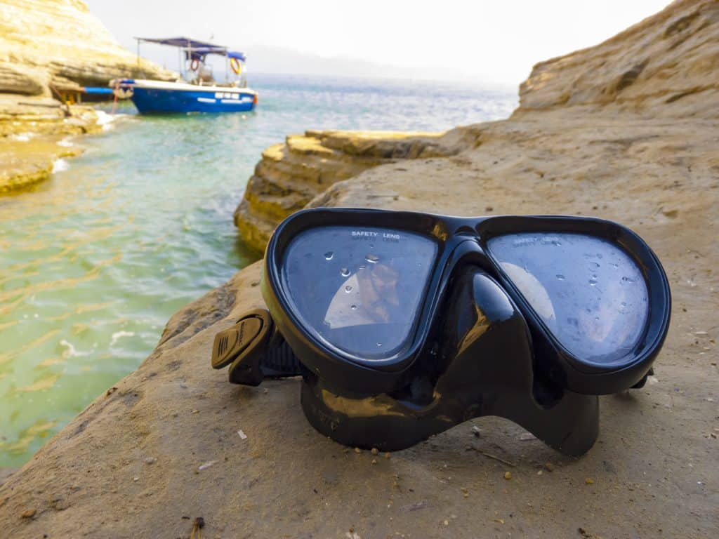 Differences between snorkeling and diving masks