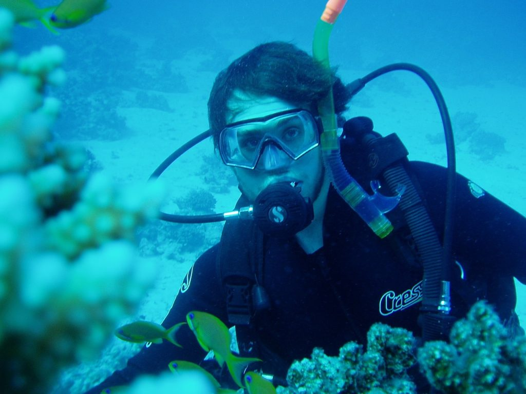 How to Reduce Air Consumption During Diving