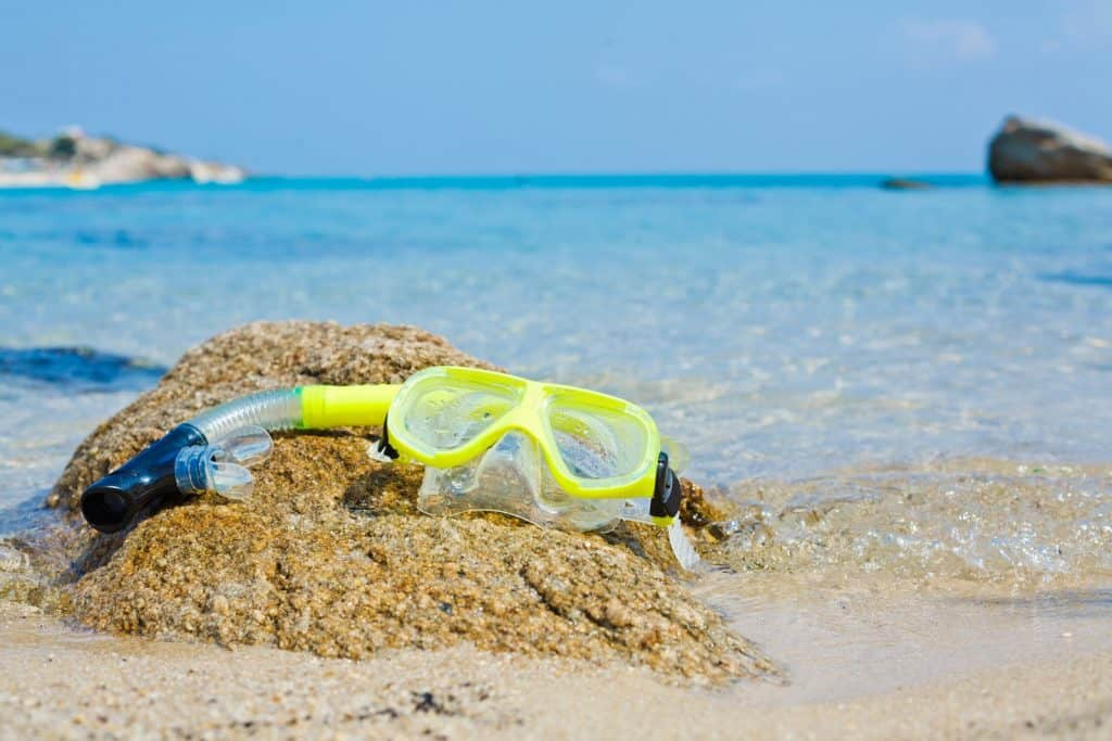 how does a snorkel work