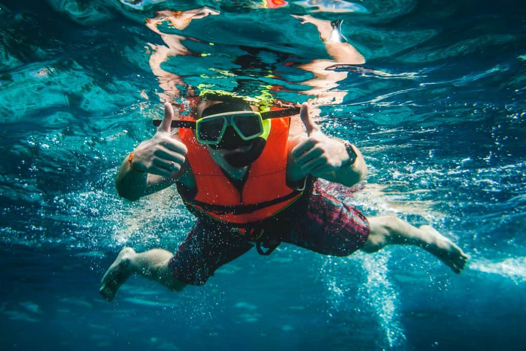 How to find the best snorkel vest