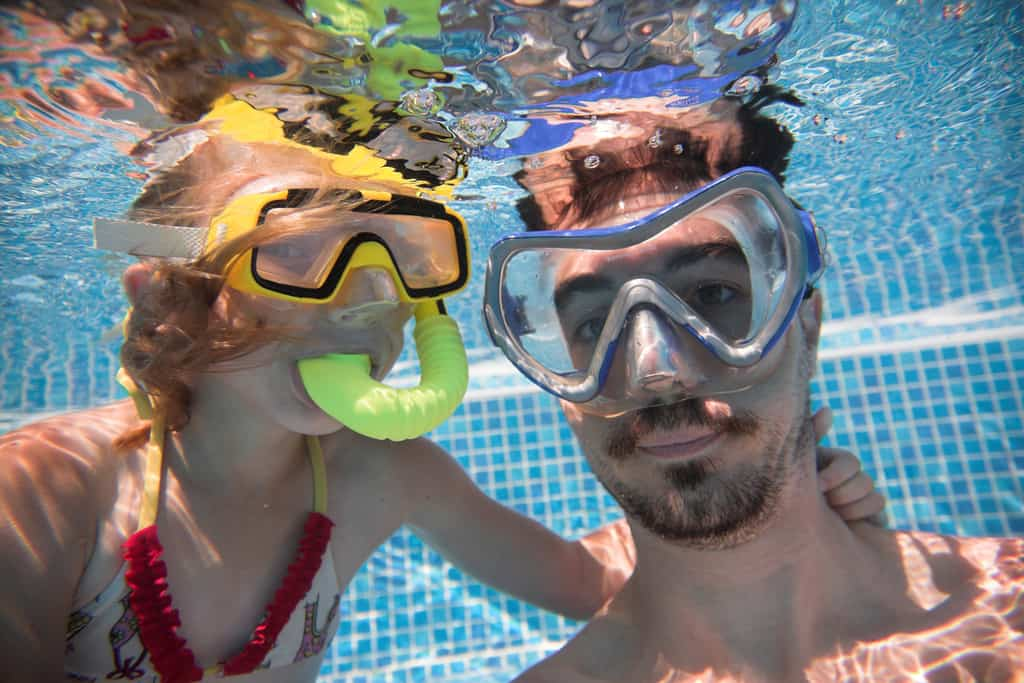 Snorkel mask with beard - bad combination