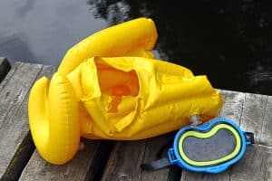 Horse-Collar style snorkeling vest with mask