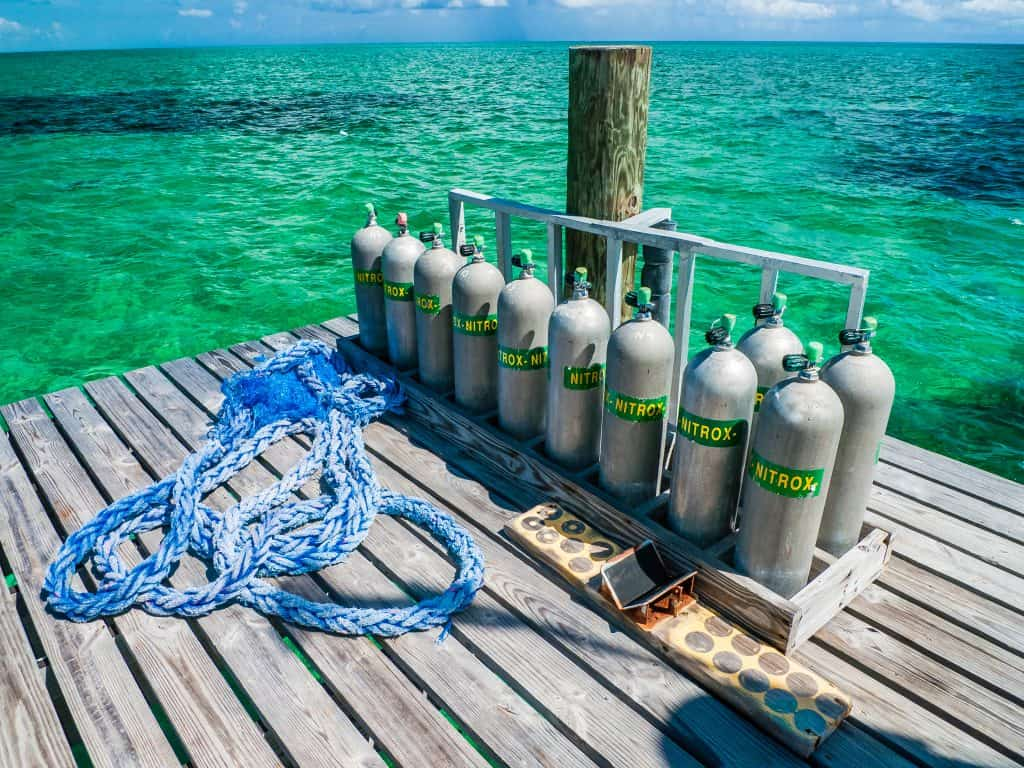 Checking the Oxygen level before scuba diving