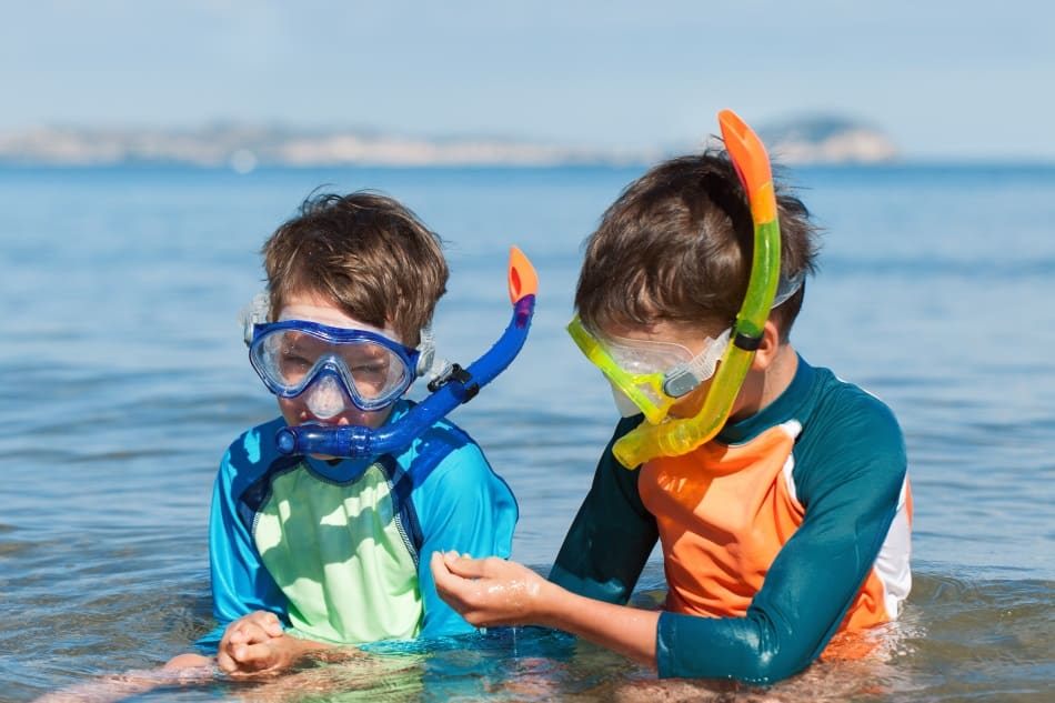Should the snorkel be on the left or right side - it's more important for scuba diving as you also have to deal with the regulator