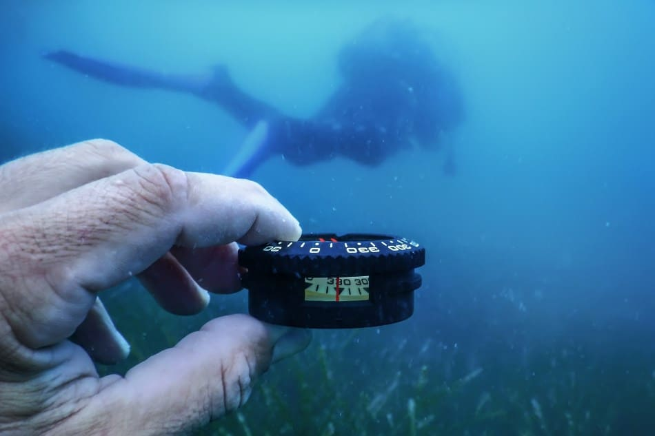 Using a Compass when DIving