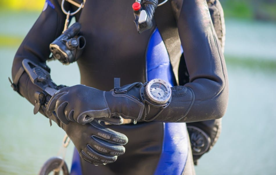 Will a wetsuit keep you dry?