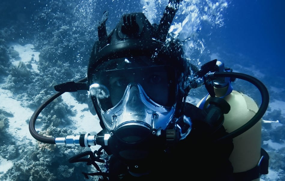 Are Full-Face scuba diving masks safe?